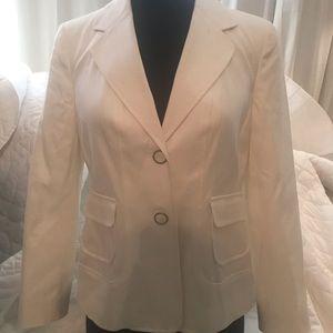 Crisp white jacket blazer